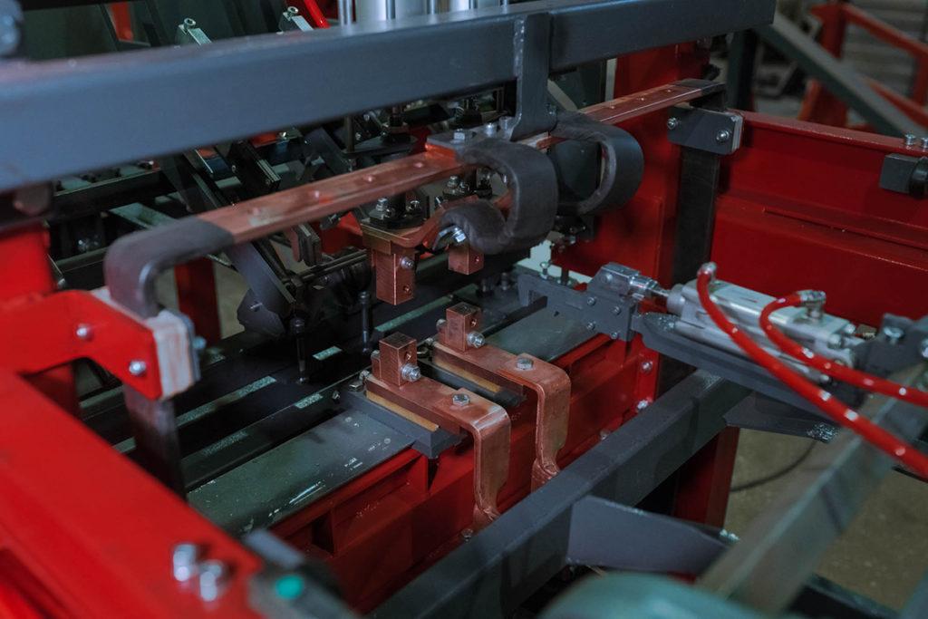 Линия сварки тяжёлых двухветвевых каркасов LTDK Фото-2818