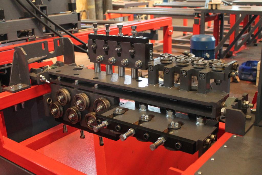 Автоматическая линия ALDK (мерные + бухты) для сварки плоских каркасов Фото-3992